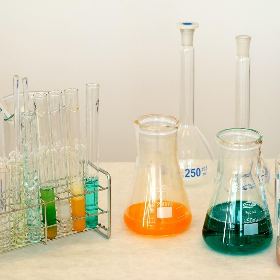 Zakaj v laboratorij?